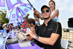 Andre Lotterer, Techeetah, Jean-Eric Vergne, Techeetah., sign autographs for fans