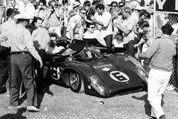 Mark Donohue, Chuck Parsons, Lola-Chevrolet T70 Mk3B entered by Roger Penske