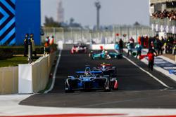 Sébastien Buemi, Renault e.Dams, leaves the pits