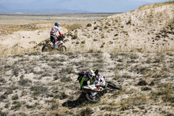 #49 Hero Motorsports Team Rally: CS Santosh, #16 KTM: Olivier Pain