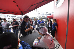 #23 United Autosports Ligier LMP2, P:  Fernando Alonso, #67 Chip Ganassi Racing Ford GT, GTLM: Ryan Briscoe