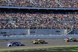 Alex Bowman, Hendrick Motorsports Chevrolet Camaro, Erik Jones, Joe Gibbs Racing Toyota, Kyle Busch, Joe Gibbs Racing Toyota