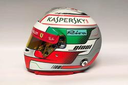 Presentación del casco de Antonio Giovinazzi