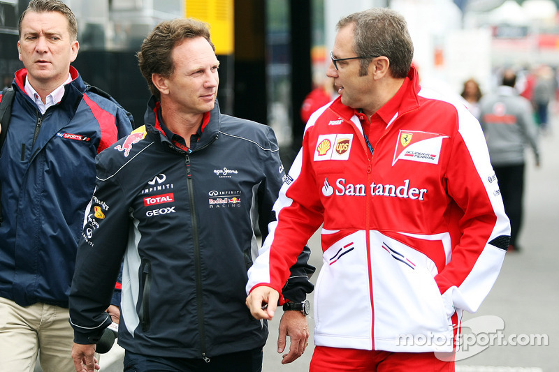 Christian Horner, Teambaas Red Bull Racing met Stefano Domenicali, Algemeen Directeur Ferrari