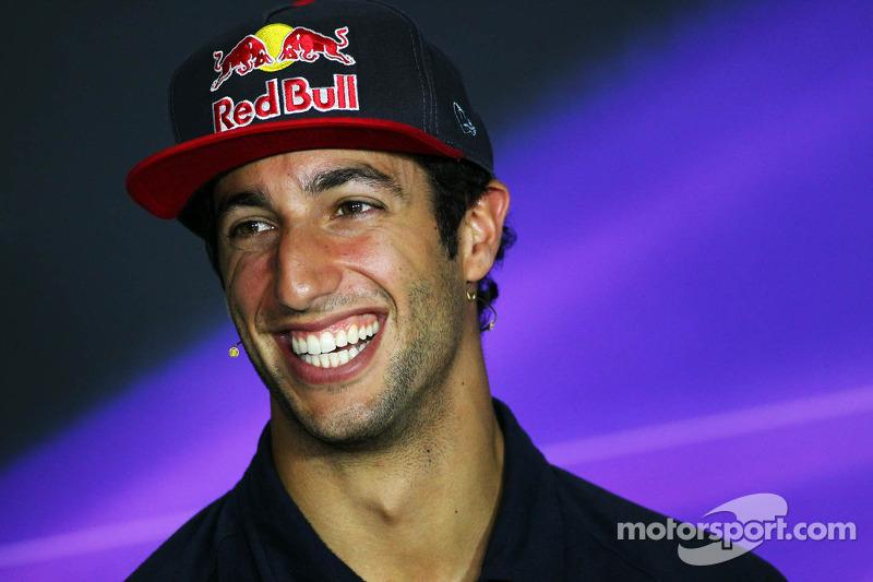 Daniel Ricciardo, Scuderia Toro Rosso bij de FIA-persconferentie