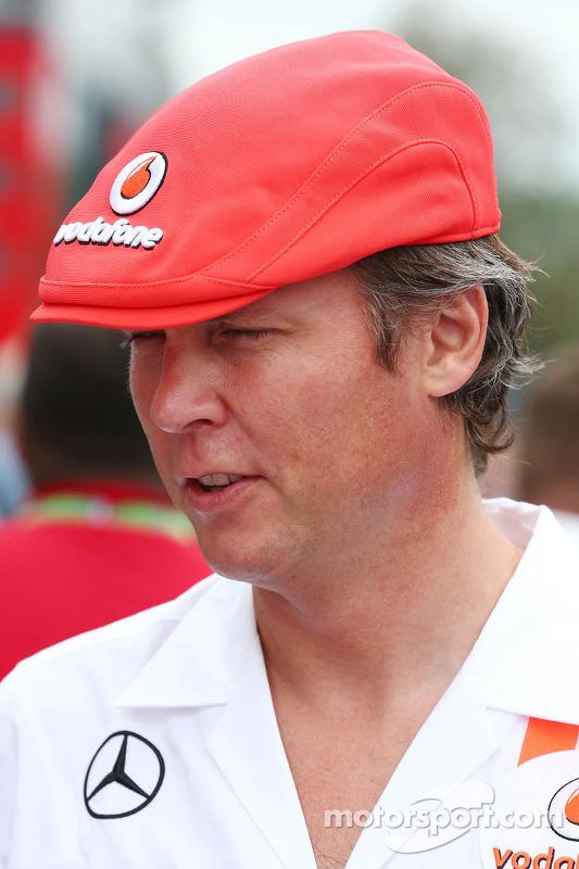 Sam Michael, Diretor Esportivo da McLaren usa boné dos 50 anos da McLaren