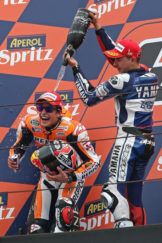 segundo colocado Marc Marquez, vencedor Jorge Lorenzo