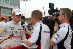 Paul di Resta, Sahara Force India F1 with Craig Slater, Sky F1 Reporter