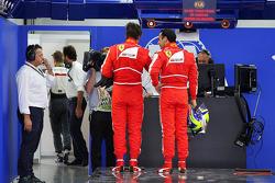 (L to R): Fernando Alonso, Ferrari and Felipe Massa, Ferrari in parc ferme