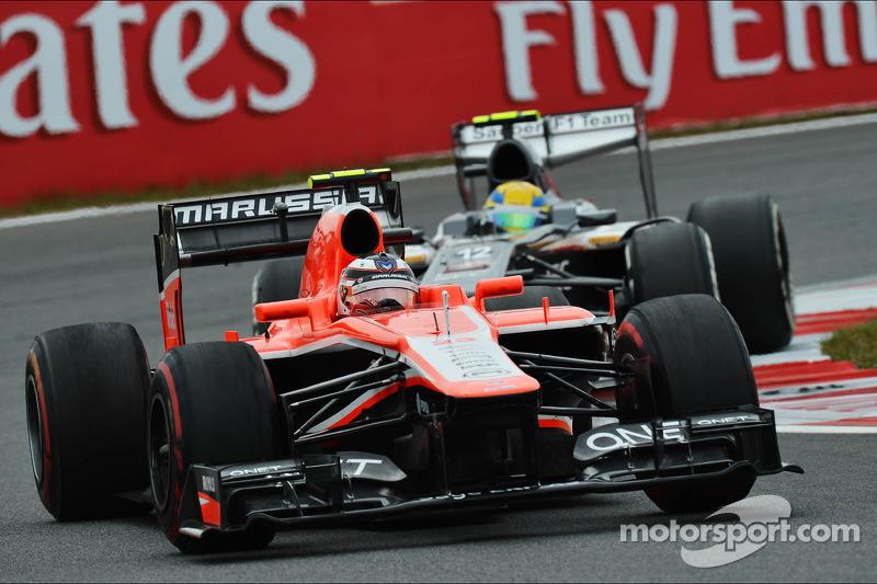 Max Chilton, Marussia F1 Team MR02 leads Esteban Gutierrez, Sauber C32