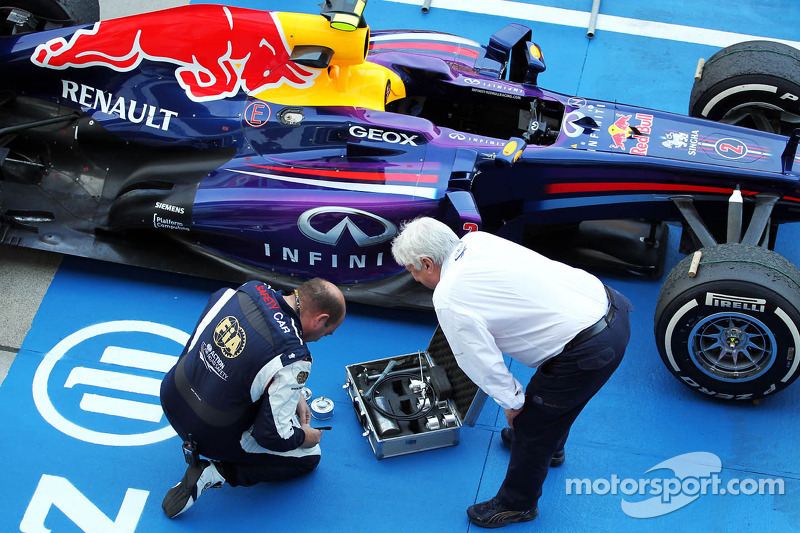 Herbie Blash, FIA Delegate with the Red Bull Racing RB9 of Mark Webber, Red Bull Racing in parc ferme