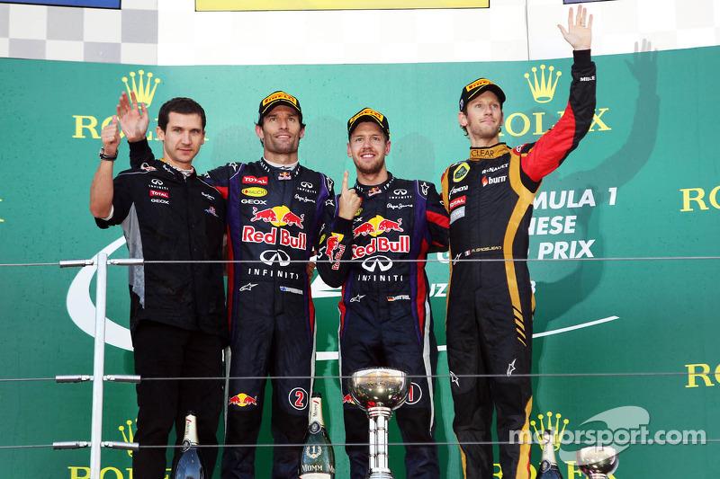 Podio: Mark Webber, Red Bull Racing, en segundo lugar, Sebastian Vettel, Red Bull Racing, ganador de la carrera y Romain Grosjean, Lotus F1 Team, tercer
