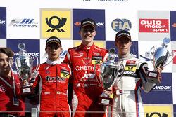 Podium: 1e plaats Raffaele Marciello, 2e plaats Luis Derani, 3e plaats Alexander Sims