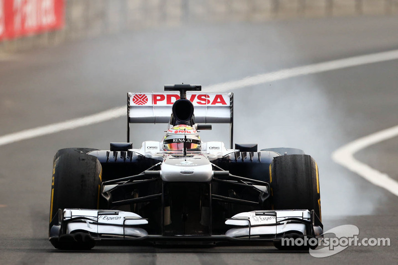Pastor Maldonado, Williams FW35 with worn Pirelli tyres