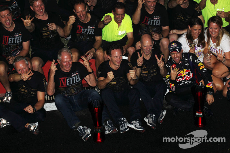 Race winner and World Champion Sebastian Vettel, Red Bull Racing celebrates with, Red Bull Racing Team Manager; Dr Helmut Marko, Red Bull Motorsport Consultant; Adrian Newey, Red Bull Racing Chief Technical Officer; Christian Horner, Red Bull Racing Team