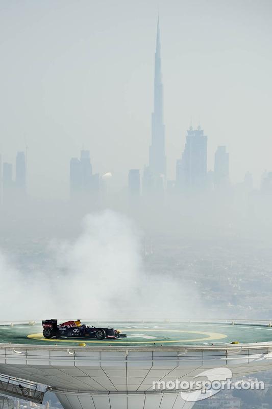 David Coulthard does donuts on the Burj Al Arab helipad
