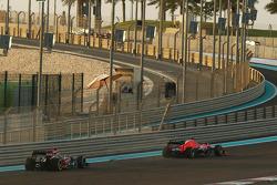 Kimi Raikkonen, Lotus F1 E21 slows and retires at the start of the race