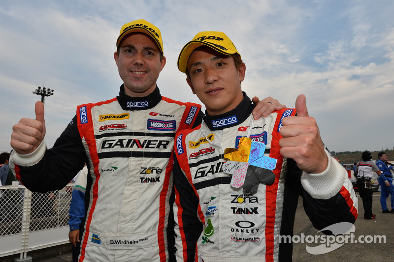 GT300 vencedores Katsuyuki Hiranaka, Bjorn Wirdheim