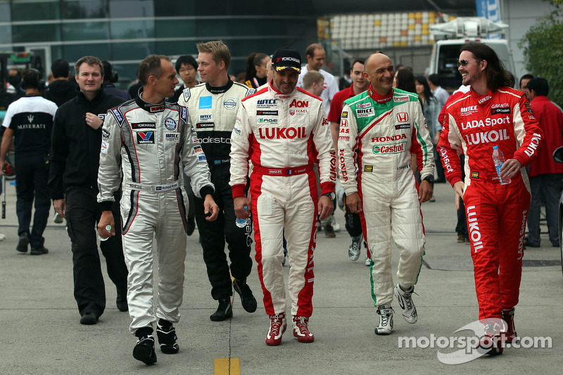 (L-R) Rickard Rydell, Chevrolet Cruze 1.6T, RML, Gabriele Tarquini, Honda Civic, Honda Racing Team J