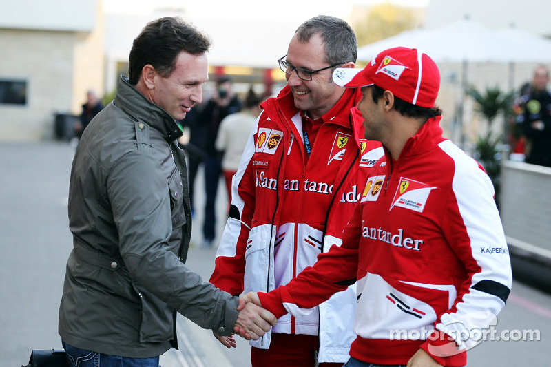 (L naar R): Christian Horner, Teambaas Red Bull Racing met Stefano Domenicali, Algemeen Directeur Ferrari en Felipe Massa, Ferrari