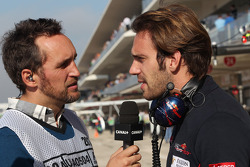 (L naar R): Frank Montangy, Canal+ TV-presentator met Jean-Eric Vergne, Scuderia Toro Rosso
