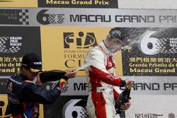 Podium: race winner Alex Lynn, second place Antonio Felix da Costa
