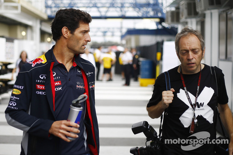 (L naar R): Mark Webber, Red Bull Racing met Mark Thompson, Getty Images Fotograaf