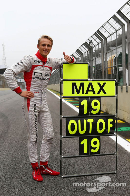 Max Chilton, Marussia F1 Team comemora his 100% GP finishing record