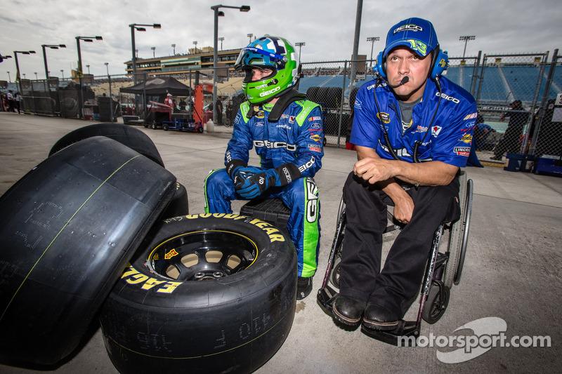 Casey Mears, Germain Racing Ford met crew chief Bootie Barker