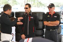 Хуан-Пабло Монтойя , Элио Кастроневес и Рик Мирс. Ноябрьские тесты Team Penske, тесты.