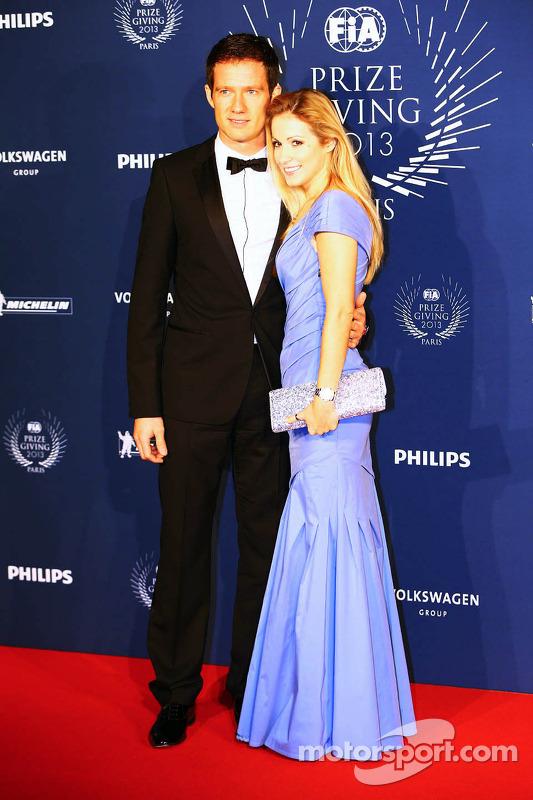 (Da esquerda para direita): Sébastien Ogier, campeão mundial de Rally (WRC), com sua esposa