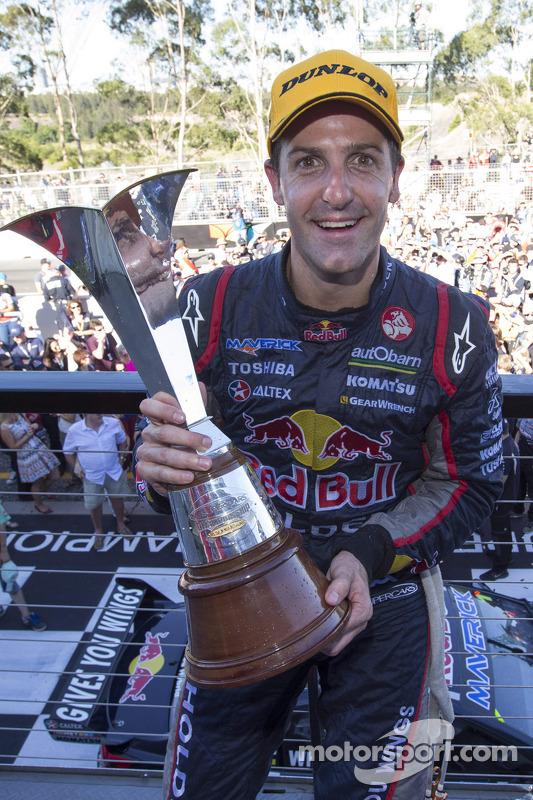 Campeão Jamie Whincup