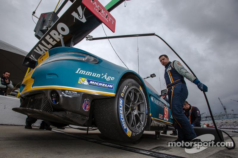 #97 Aston Martin Racing Aston Martin Vantage V8: Stefan Mücke, Darren Turner, Pedro Lamy, Richie Stanaway, Paul Dalla Lana