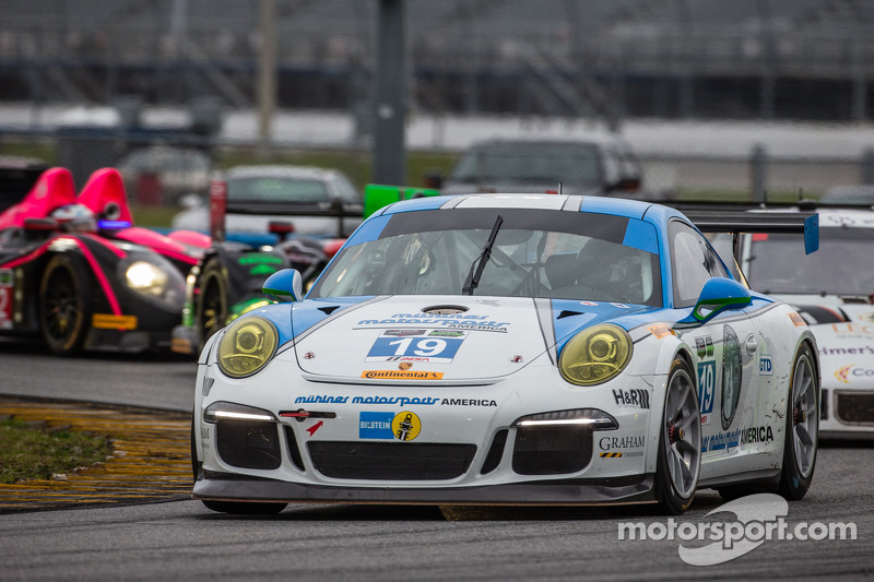 #19 Muehlner Motorsports America 保时捷 911 GT America: 兰迪·普博斯特, 吉姆·迈克廉