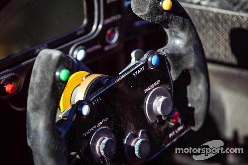 #42 OAK Racing 摩根 日产 方向盘