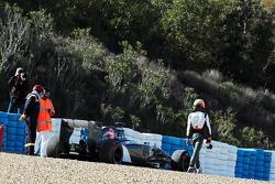 Esteban Gutierrez, Sauber C33 na brita