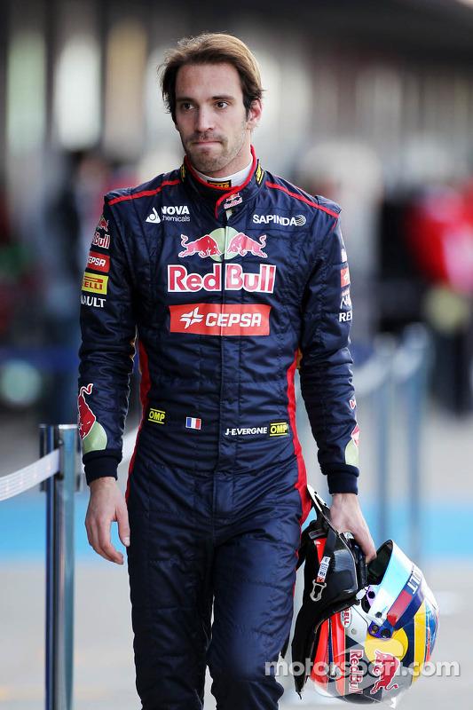 Jean-Eric Vergne, Scuderia Toro Rosso torna ai box dopo l'arresto sul circuito