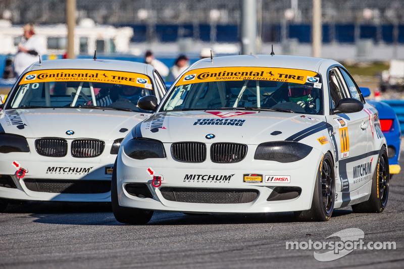 #11 Mitchum Motorsports 宝马 128i: 彼得·麦金托什, 迈克尔·约翰逊 和 #10 Mitchum Motorsports 宝马 128i: 迪伦·穆尔科特, 狄龙·马沙弗