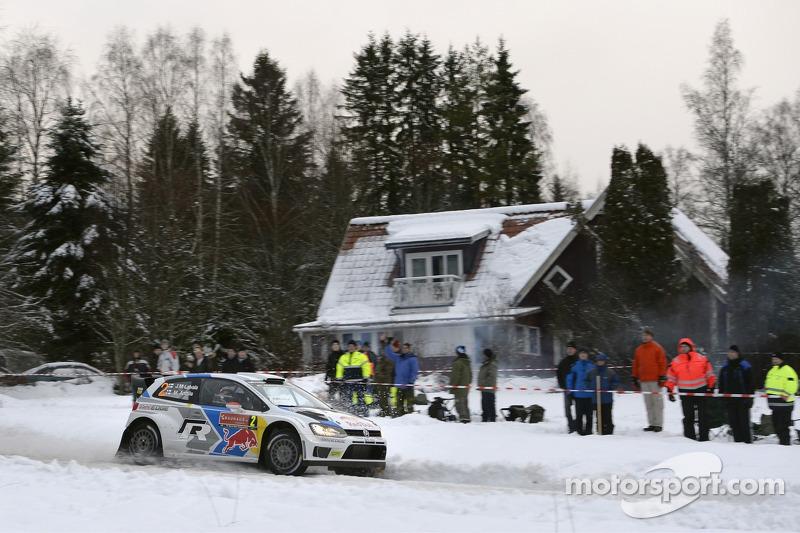 #2 大众 Polo R WRC: 雅利-马蒂·拉特瓦拉, 米卡·安蒂拉