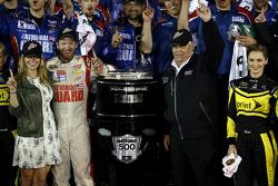 Winner Dale Earnhardt Jr., Hendrick Motorsports Chevrolet with Rick Hendrick