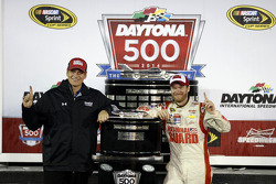 Crew chief Steve Letarte and Dale Earnhardt Jr., Hendrick Motorsports Chevrolet