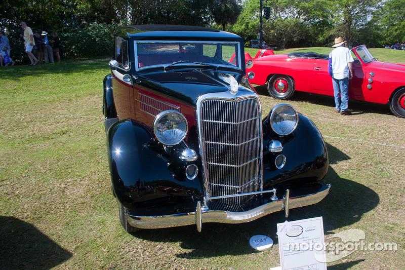 1935 Ford 48 Coach