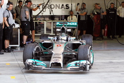 Nico Rosberg, Mercedes AMG F1 W05 leaves the pits