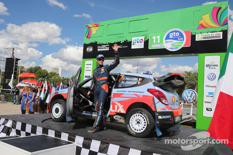 Terzo posto Thierry Neuville e Nicolas Gilsoul, Hyundai i20 WRC, Hyundai Motorsport