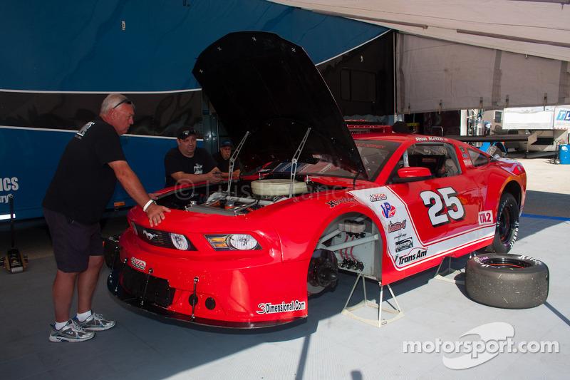 #25 Mike Cope Racing 福特 野马: 罗恩·肯斯