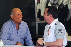 Ron Dennis, Ketua Eksekutif Mclaren bersama Eric Boullier, Direktur McLaren Racing