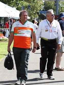 (Soldan Sağa): Robert Fernley, Sahara Force India F1 Takımı Yardımcı Takım Patronu ve Dr. Vijay Mallya, Sahara Force India F1 Takım Sahibi