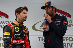 (Da sinistra a destra): Romain Grosjean, Lotus F1 Team con Jean-Eric Vergne, Scuderia Toro Rosso
