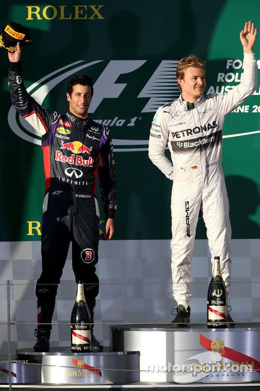 Daniel Ricciardo, Red Bull Racing; Nico Rosberg, Mercedes AMG F1 Team