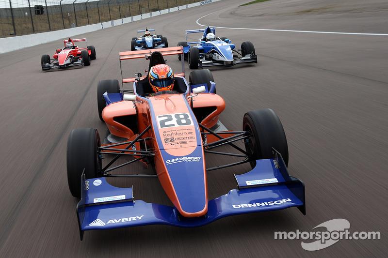 Formula Renault takımı fotoğraf çekimi